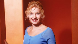 Elisha Cuthbert as Kim Bauer in a 24 Season 1 Promotional Photo