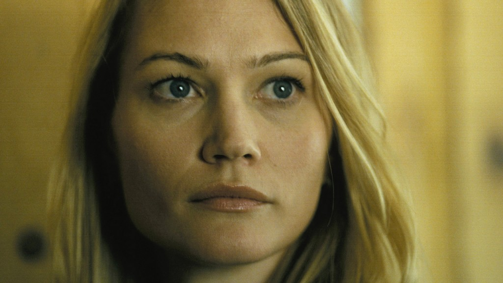 Sarah Wynter as Kate Warner in 24 Season 2