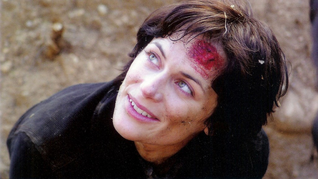 Sarah Clarke behind the scenes of 24 Season 2