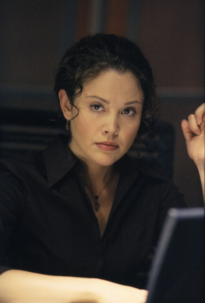 Reiko Aylesworth as Michelle Dessler in 24 Season 2