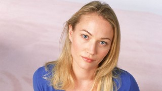 Sarah Wynter 24 Season 2 Cast Photo