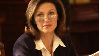 Wendy Crewson as Anne Packard in 24 Season 3