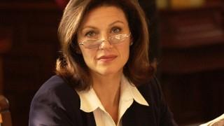 Wendy Crewson as Anne Packard in 24 Season 3