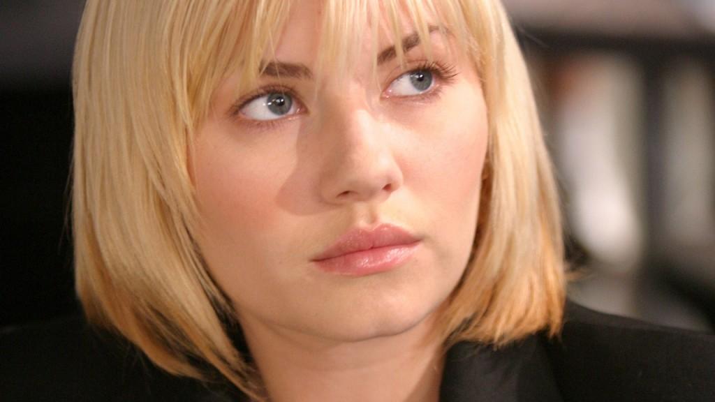Elisha Cuthbert as Kim Bauer in 24 Season 3