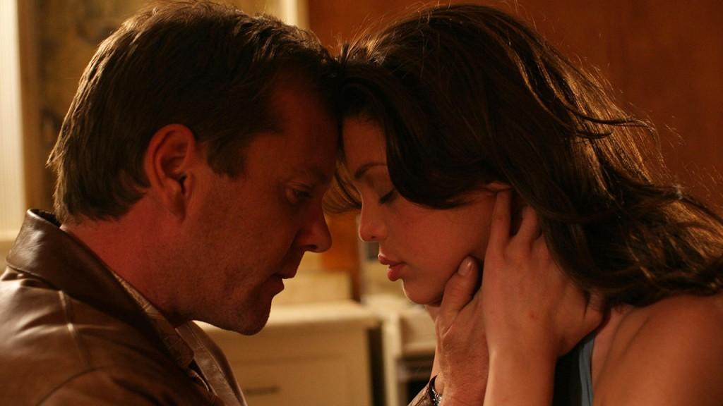 Jack Bauer and Claudia Hernandez embrace in 24 Season 3