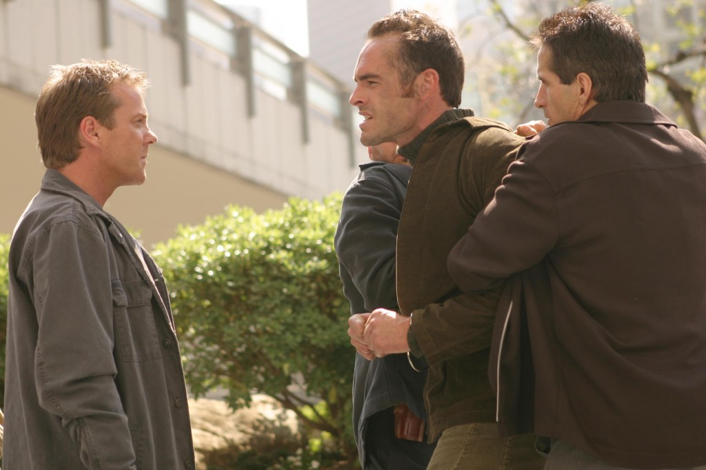 Jack Bauer and Stephen Saunders in 24 Season 3 Episode 23