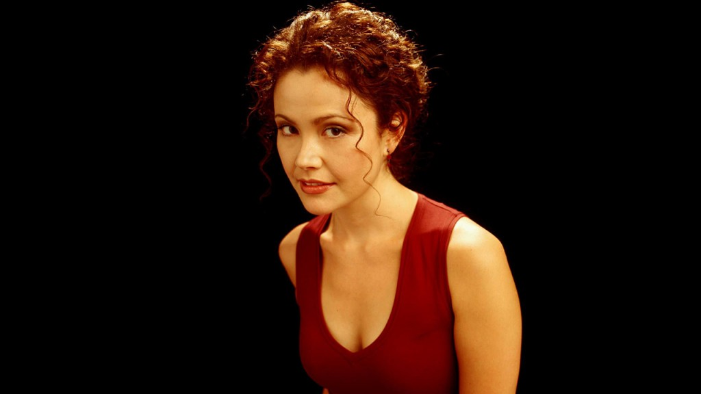 Reiko Aylesworth as Michelle Dessler in a 24 Season 3 promotional photo
