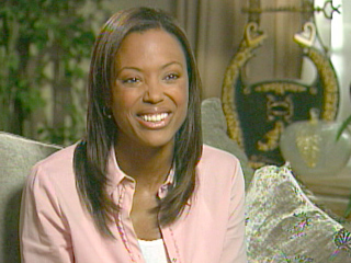 Aisha Tyler talks to Extra