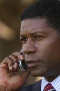 David Palmer on cell phone 24 Season 3