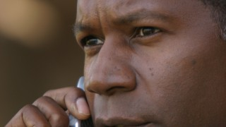 David Palmer on cell phone 24 Season 3