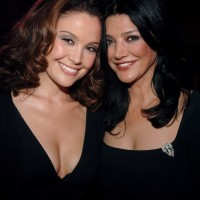 Reiko Aylesworth, Shohreh Aghdashloo at A&E Network Upfronts