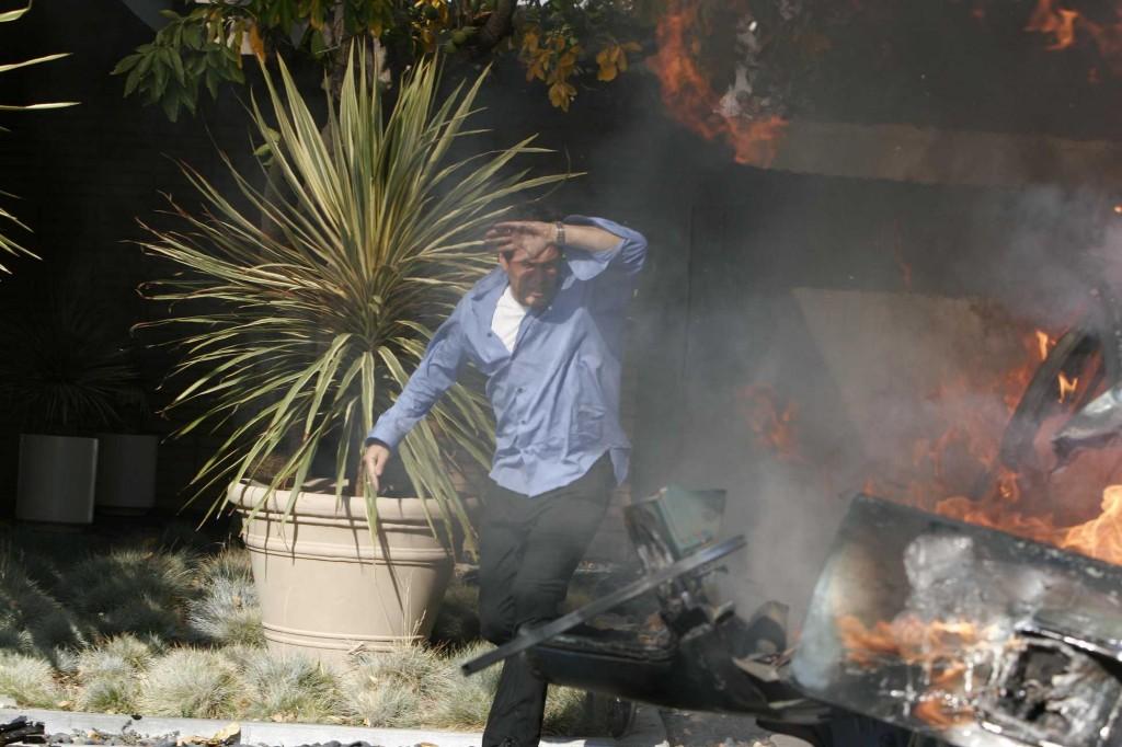 Tony Almeida rushes to explosion in 24 Season 5 Episode 1