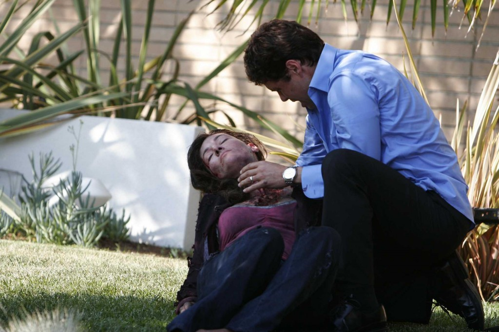 Tony Almeida cradles his wife Michelle Dessler in 24 Season 5 Premiere