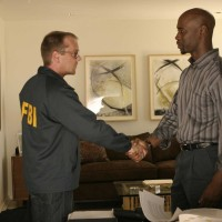 Jack Bauer and Wayne Palmer shake hands in 24 Season 5 Episode 2