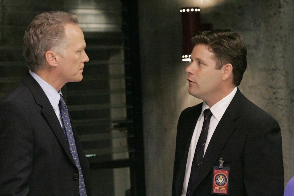 Lynn McGill takes over CTU from Bill Buchanan in 24 Season 5 Episode 4