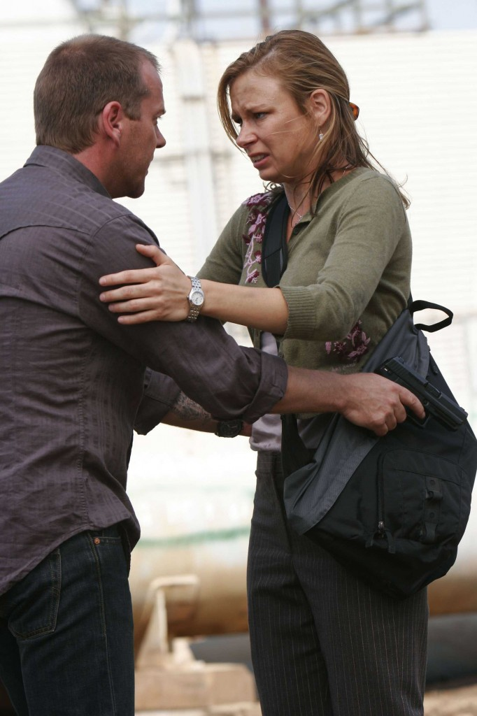 Jack Bauer and Chloe O'Brian meet at the abandoned oil refinery in LA