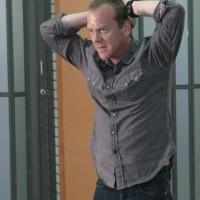 Jack Bauer turns himself in on 24 Season 5 Episode 3