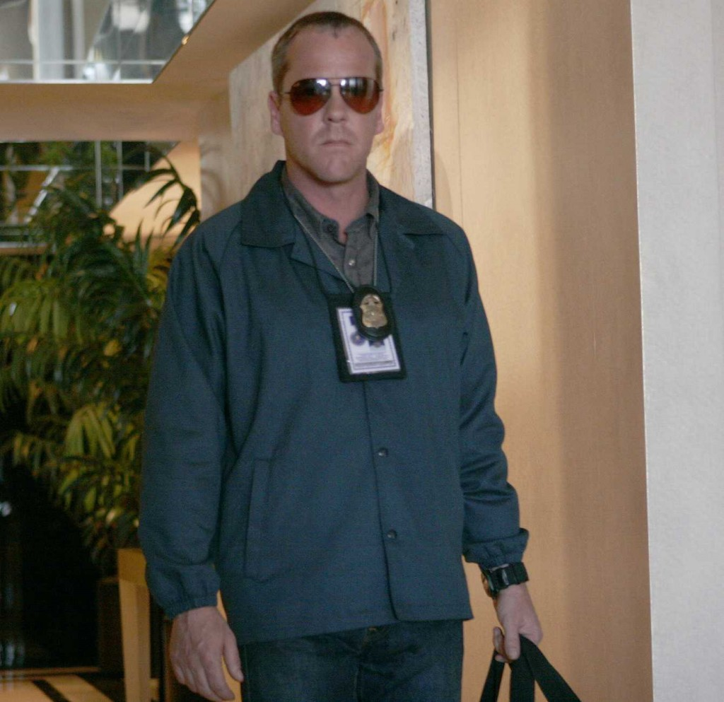 Jack Bauer searches the Palmer residence in 24 Season 5 Episode 2