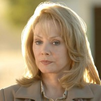 Jean Smart as Martha Logan in 24 Season 5 Episode 6