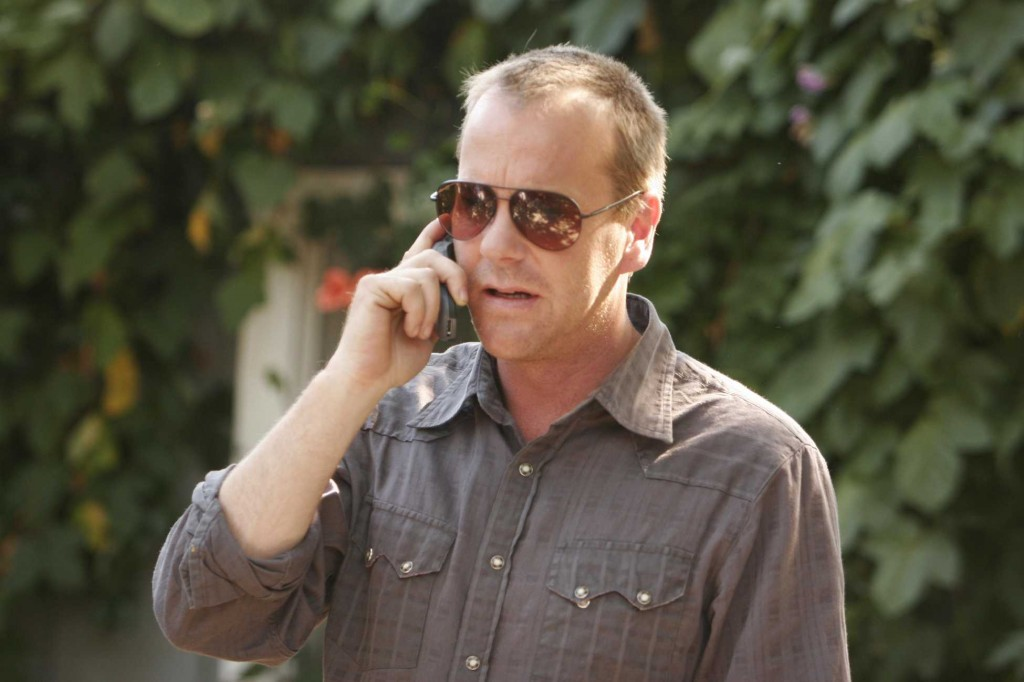 Kiefer Sutherland as Jack Bauer with sunglasses in 24 Season 5 premiere