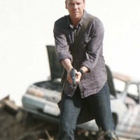Jack Bauer prepares for action 24 Season 5 Episode 1