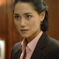 Sandrine Holt as Evelyn Martin in 24 Season 5 Episode 6
