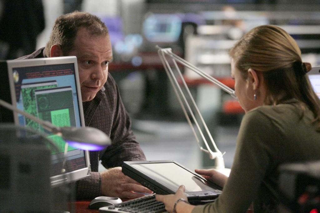 Edgar Stiles confides in Chloe O'Brian in 24 Season 5 Episode 10