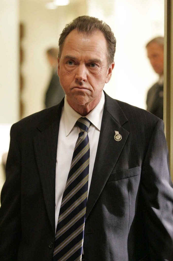 Charles Logan deals with tragedy in the White House in 24 Season 5 Episode 7