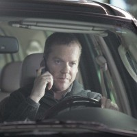 Jack Bauer gets lead on Christopher Henderson in 24 Season 5 Episode 10