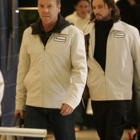 Jack Bauer undercover in the mall 24 Season 5 Episode 8