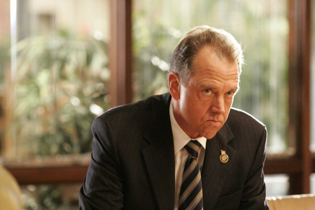 Gregory Itzin as Charles Logan in 24 Season 5 Episode 12