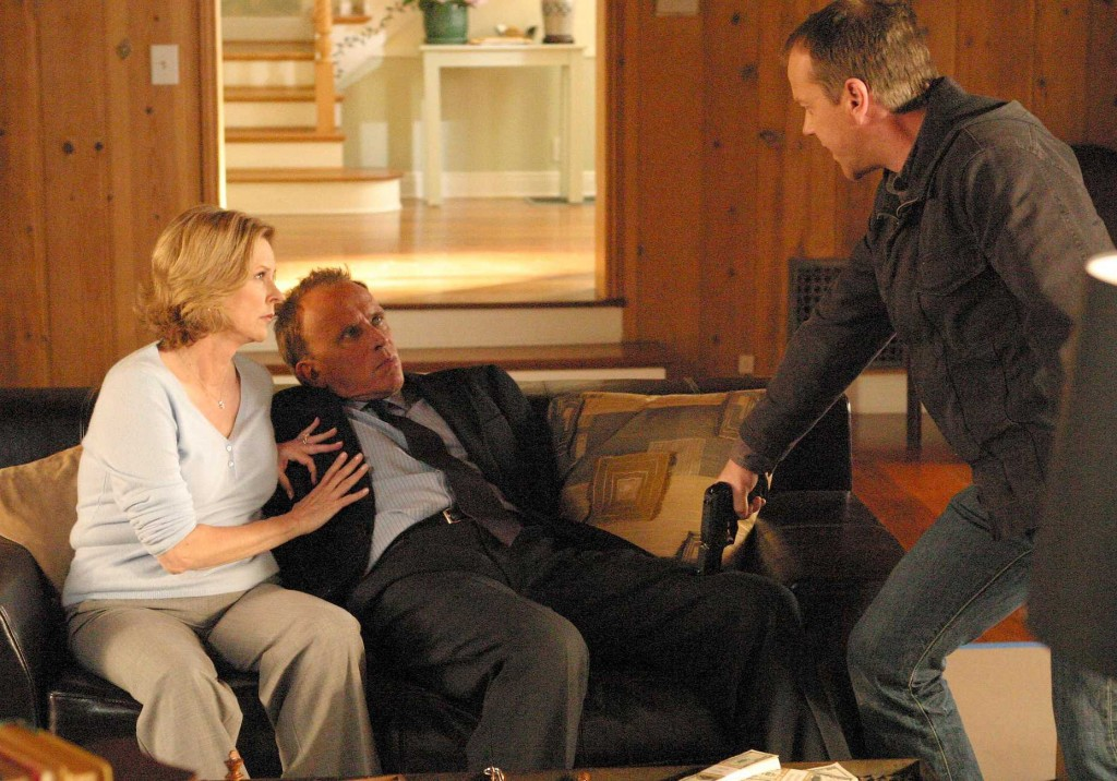 Jack Bauer tries to get information from Christopher Henderson in 24 Season 5 Episode 11