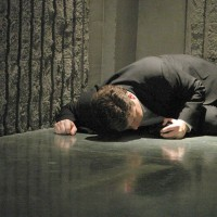 Lynn McGill dies saving CTU in 24 Season 5 Episode 13