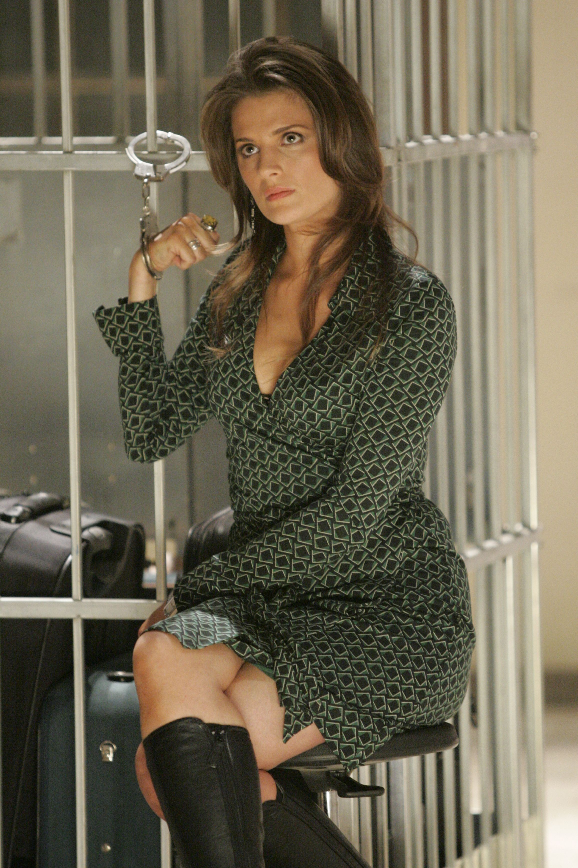 Stana Katic as Collette Stenger handcuffed in 24 Season 5 Episode 14 ...