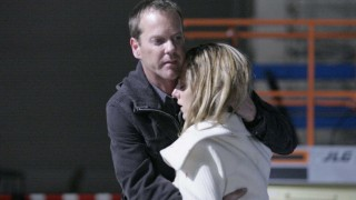 Jack Bauer hugging Audrey Raines in 24 Season 5