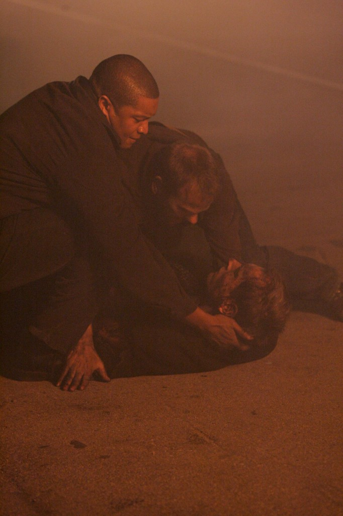 Jack Bauer and Curtis Manning capture Bierko in 24 Season 5 Episode 16