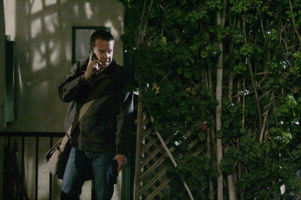 Jack Bauer follows a lead to dangerous evidence in 24 Season 5 Episode 17