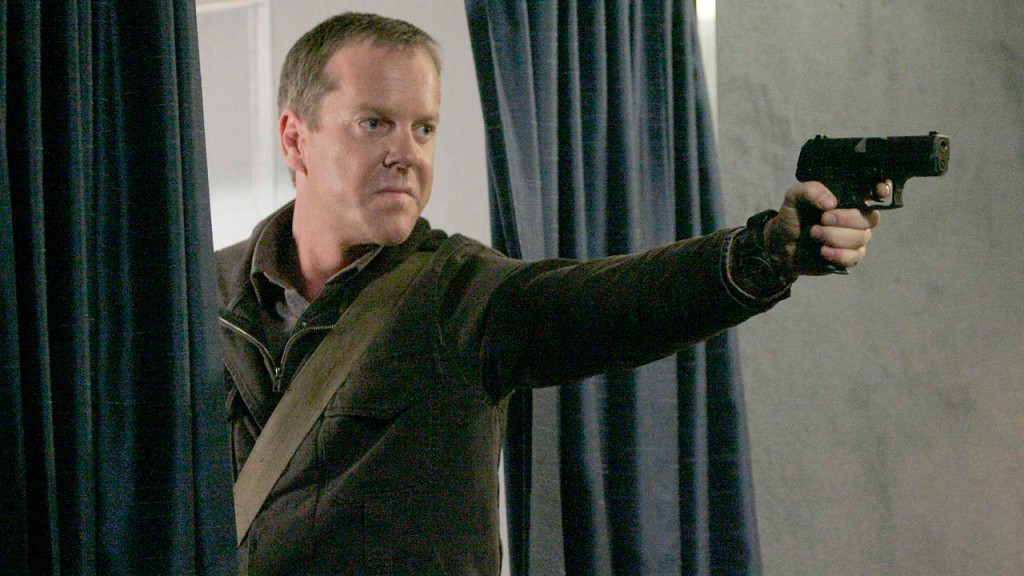Jack Bauer commandeers plane in 24 Season 5 Episode 20