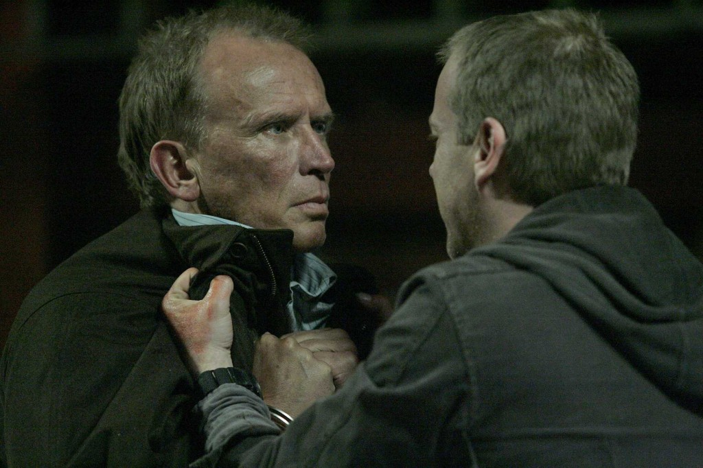 Jack Bauer captures Christopher Henderson in 24 Season 5 Episode 19