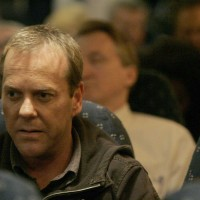 Jack Bauer boarding plane in 24 Season 5 Episode 20