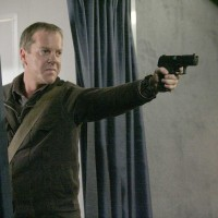 Jack Bauer hijacks plane in 24 Season 5 Episode 20