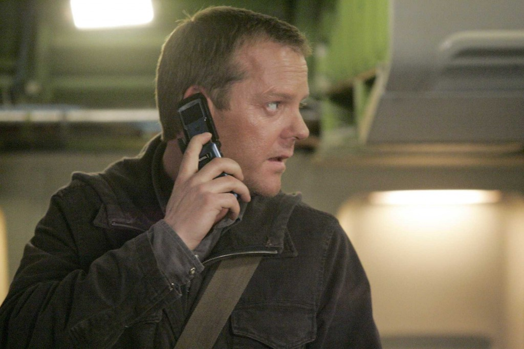 Jack Bauer boards a plane in 24 Season 5 Episode 20