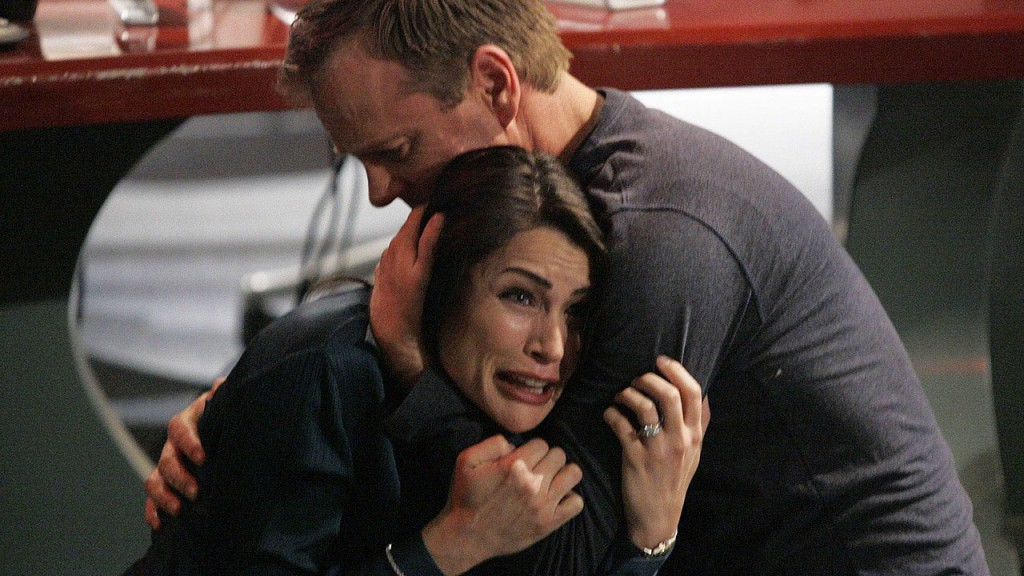 Jack Bauer comforts Marilyn Bauer in 24 Season 6 Episode 21