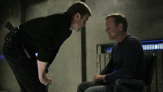 Mike Doyle talks to Jack Bauer in 24 Season 6 Episode 20