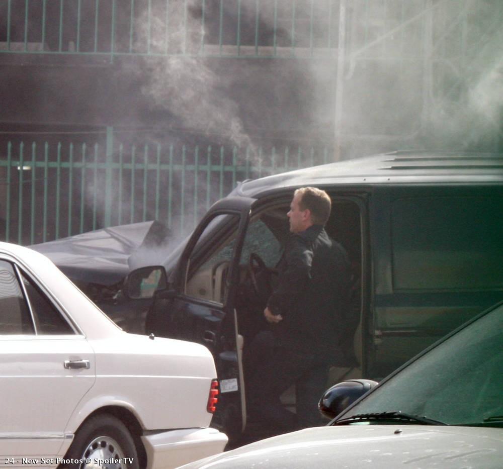 Kiefer Sutherland filming on location 24 Season 8 set picture