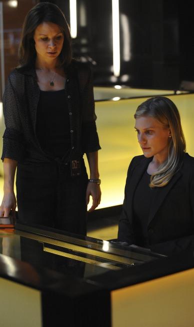 Chloe O'Brian and Dana Walsh in CTU 24 Season 8 Episode 5