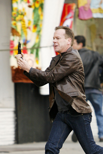 Jack Bauer Chases Dana Walsh with gun
