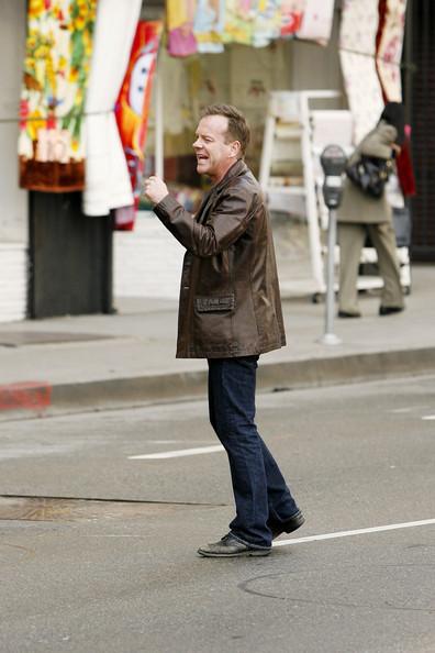 Jack Bauer Yelling - Kiefer Sutherland on 24 set