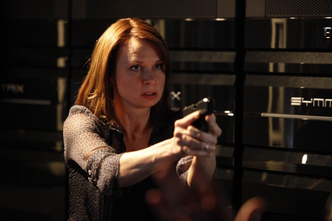 Chloe O'Brian pointing gun in 24 Season 8 Episode 13