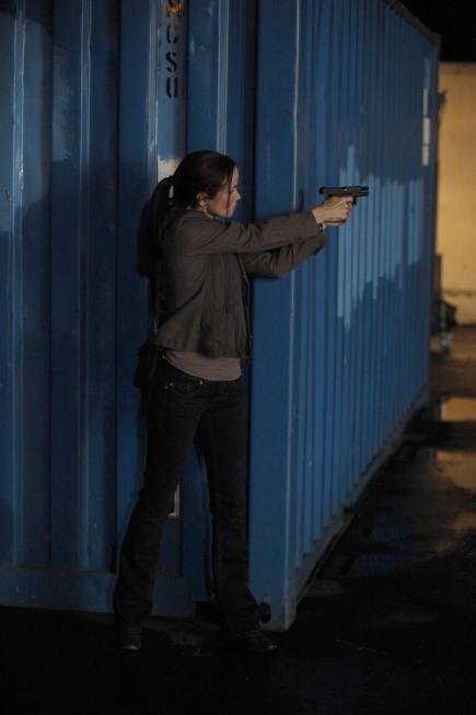 Renee Walker saves Jack in 24 Season 8 Episode 13